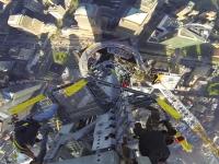 高さに目がくらむ(@_@;)ニューヨークの新しいWTCの最後のビル外部工事