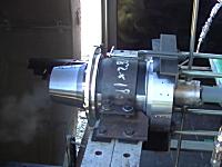 ホリエモンのロケットエンジンの燃焼試験映像がなかなかの迫力。音量注意。