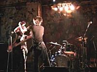 日本人の喧嘩動画。ライブ中に殴り合い?キレる。叫ぶ人たちの映像6つ。