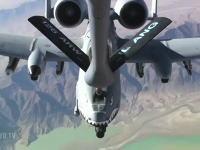 空中給油機KC-135 Stratotankerに燃料をもらうA-10 Thunderboltたん動画