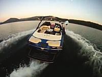 おい失敗したらどうするwww無人のボートでウェイクサーフィンしている動画