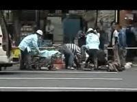 秋葉原 被害者を懸命に蘇生させようとする人達のムービー