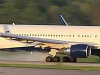 離陸滑走中にタイヤがバーストしてしまうデルタ航空のボーイング767-300